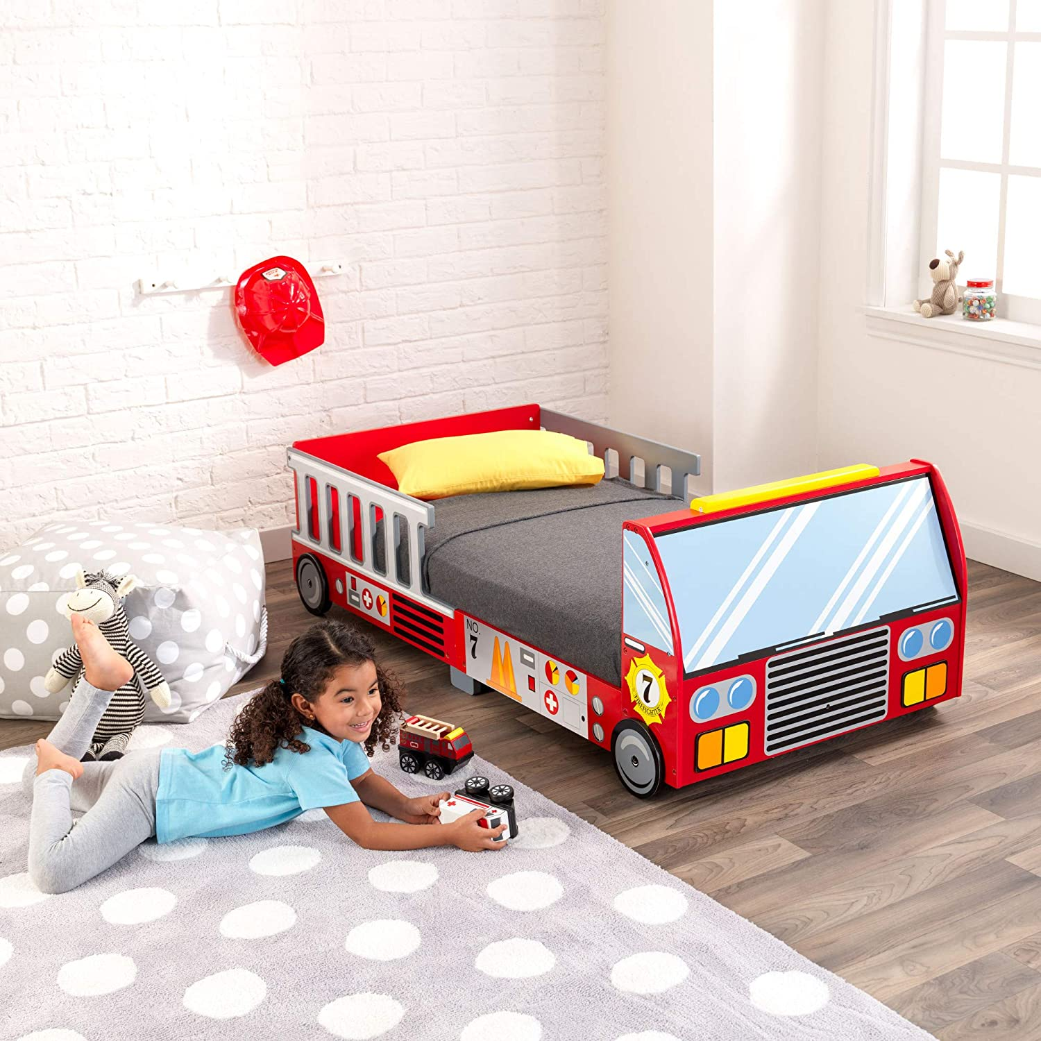 Full Review of KidKraft Fire Truck Toddler Bed 3